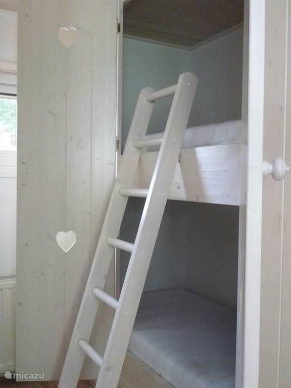 slaapkamer met bedsteden