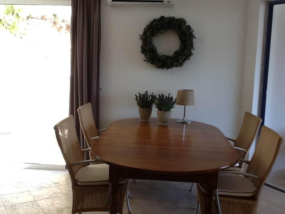 Dining table la Lavande