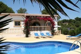 Villa Flamenco in Moraira, dé ideale plek voor een heerlijk ontspannen vakantie !