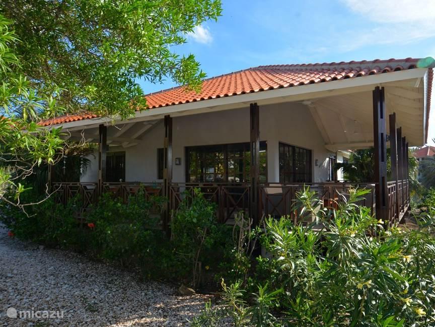 6-persoons vrijstaande villa met ruime overdekte veranda