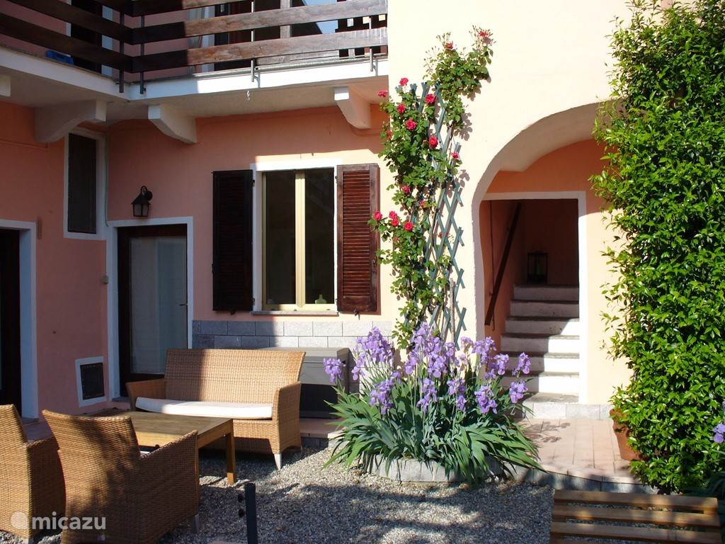 Vacation rental Italy, Italian Lakes, Castelveccana - holiday house Casa Elefante