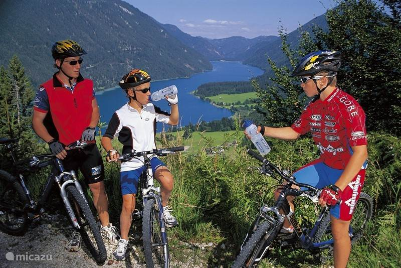 For cyclists, there are hundreds of kilometers of bicycle routes.