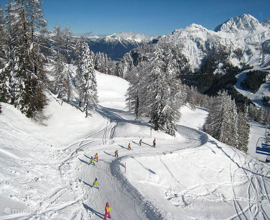It's wonderful skiing at the ski resort Nassfeld