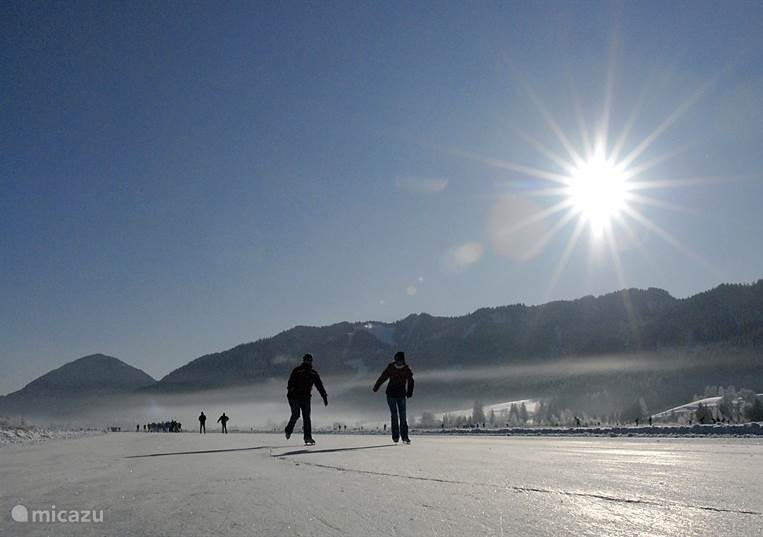 Skating on the Weissensee, sometimes can also be skating on Lake Pressegg.