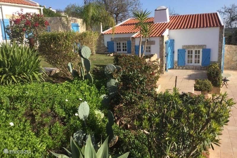 ferienhaus quinta do vista in moncarapacho algarve portugal mieten micazu. Black Bedroom Furniture Sets. Home Design Ideas