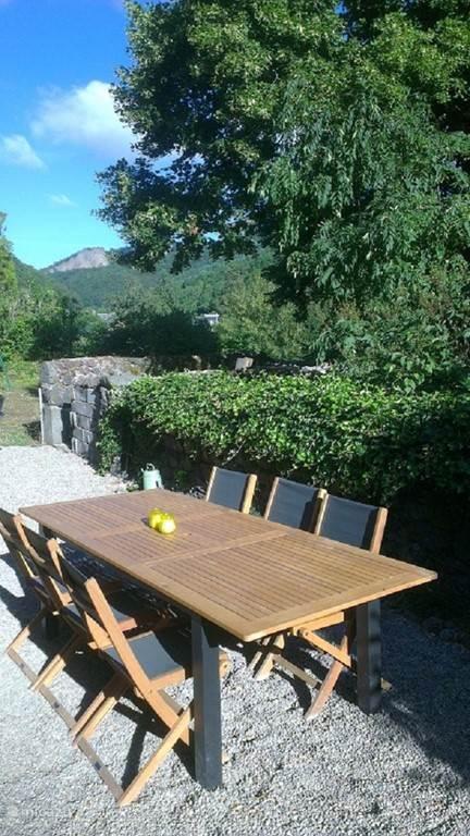 Vacation rental France, Puy-de-Dôme, Murol Holiday house L'Atelier de Charpentier