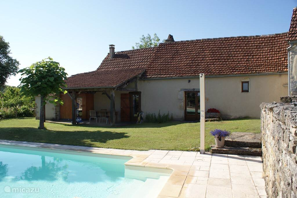 Vacation rental France, Lot – holiday house House with private swimming pool (salt water)