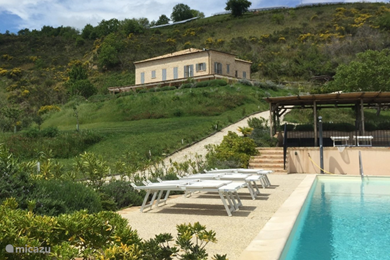 Vakantiehuis Italië, Marche, Appignano Appartement Villa Monte Calvo - Casa Panoramica