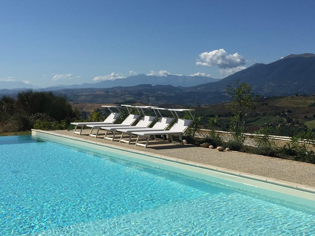 Geniet van het authentieke Italië in vakantiehuis Casa Panoramica (4-6 pers.) in Le Marche.  Bij zee en met zwembad. In mei en juni 10% korting.