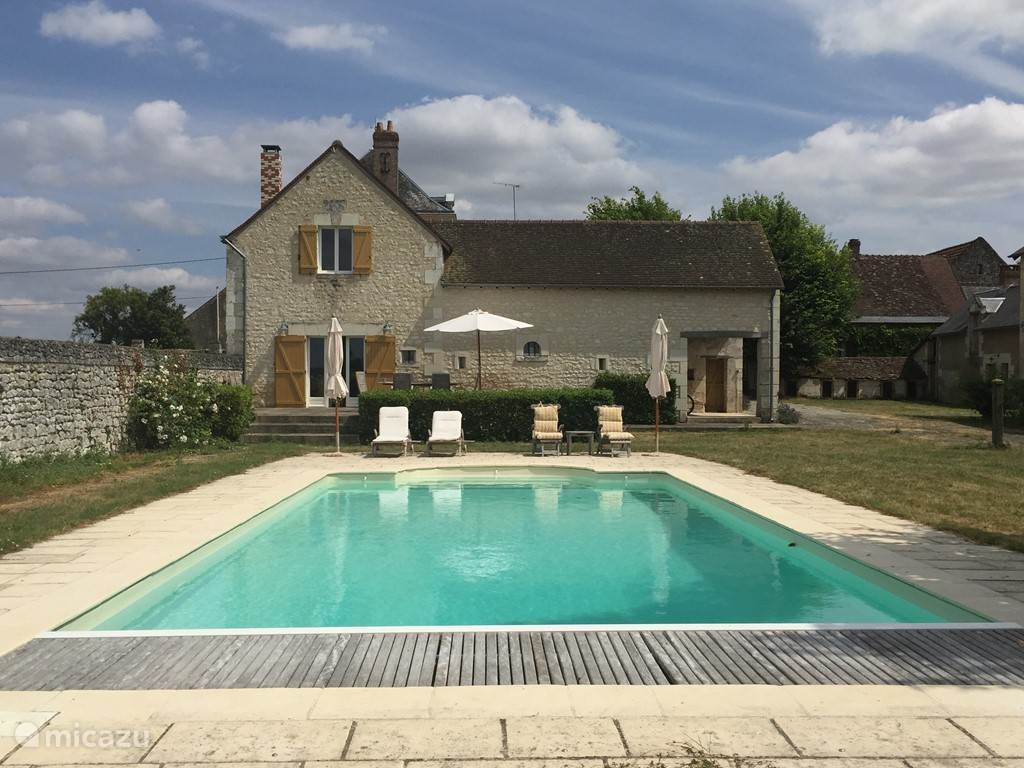 Vacation rental France, Loire, Crouzilles manor / castle Les Touches