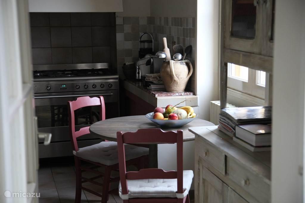 zitje in de keuken
