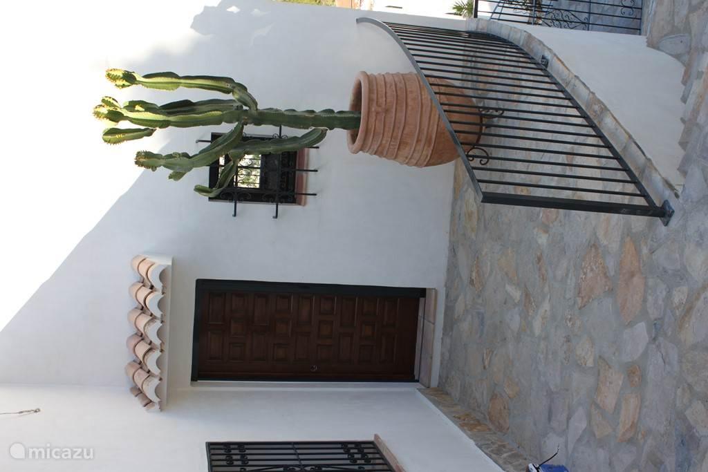 Separate ingang bovenverdieping