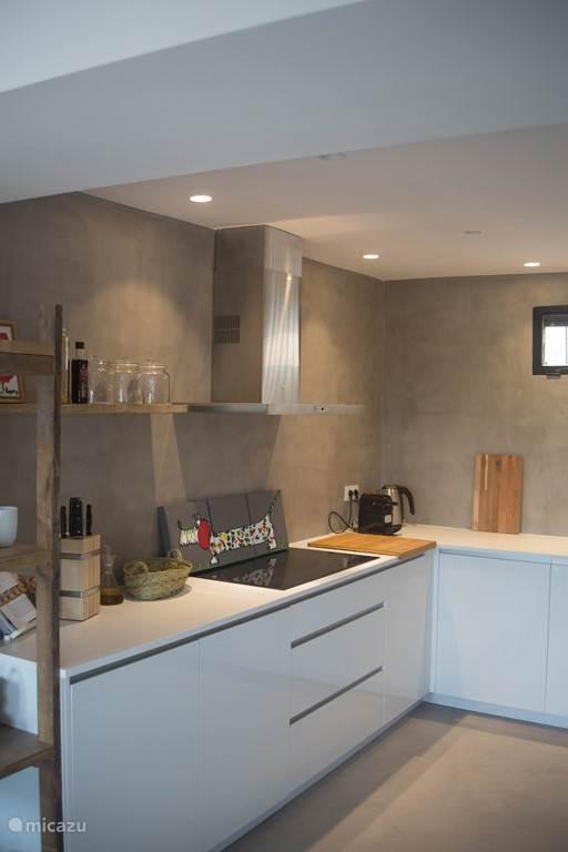Moderne, complete en sfeervolle keuken