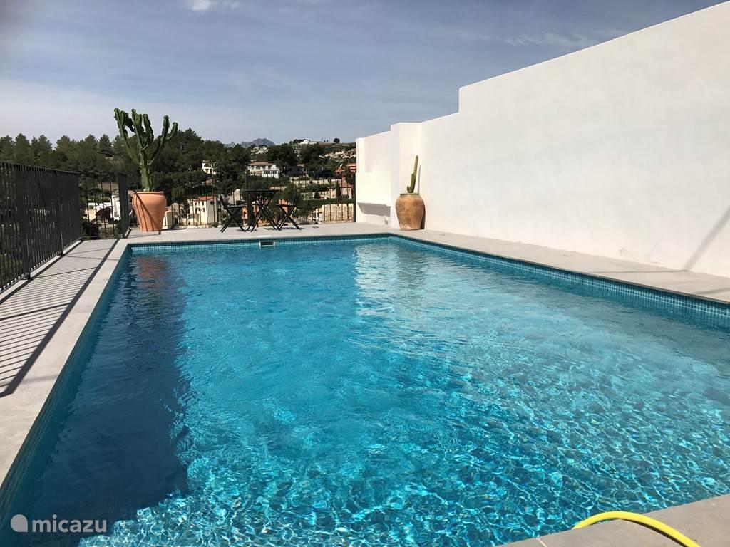 Zwembad van 8 x 4 meter