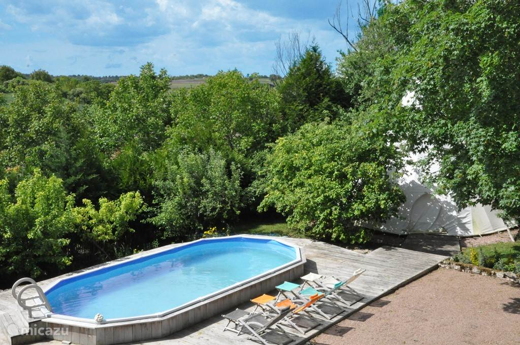 Vacation rental France, Auvergne, Vichy holiday house Domaine Les Barreaux