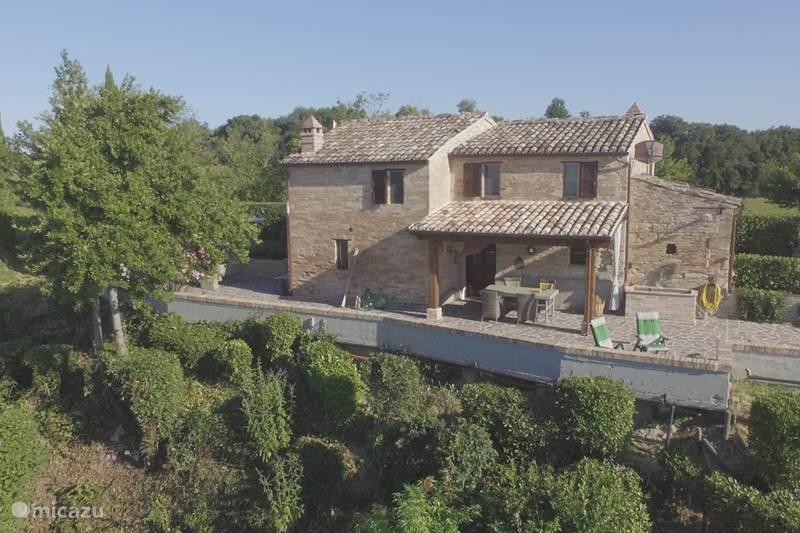 Vakantiehuis Italië, Marche, Montottone Vakantiehuis Casa Castagno in Le Marche, Italië