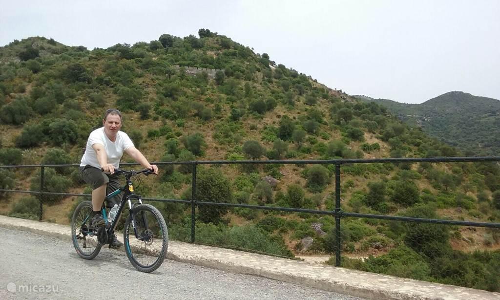Fietsen op oude spoorbedding tussen Olvera en Puerto Serrano