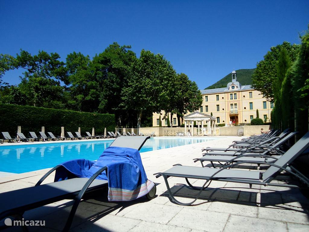 Cheteau des Gipieres en het zwembad