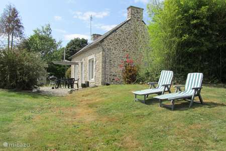 Vacation rental France, Côtes-d'Armor, Plounévez-Quintin holiday house Gite Sant Venter: