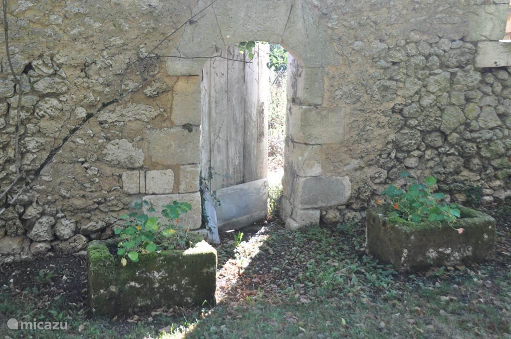 Historische schuren en muurtjes ...