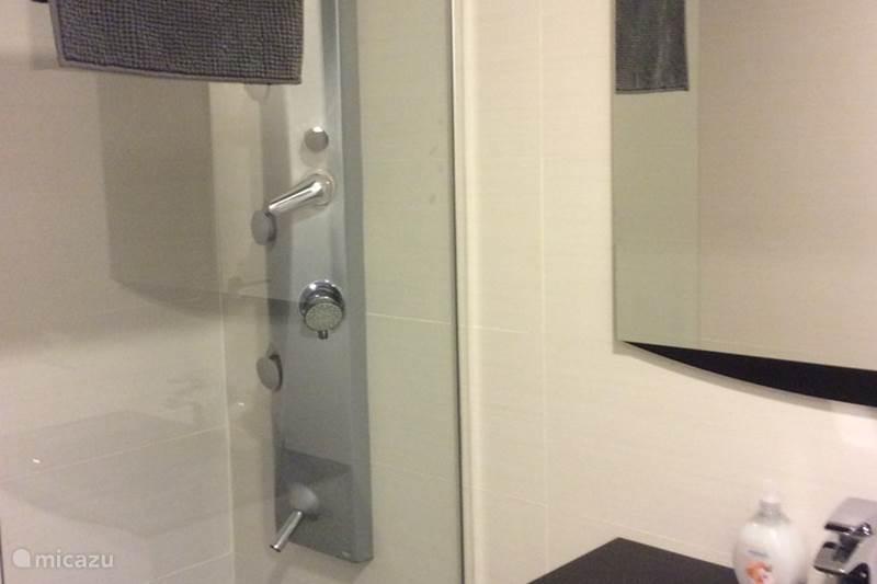 Vakantiehuis huren micazu mijn huis jouw vakantie - Mode badkamer ...