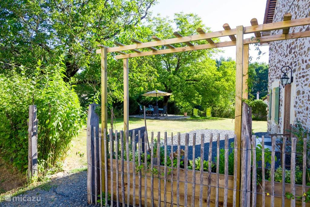 privè omheinde tuin