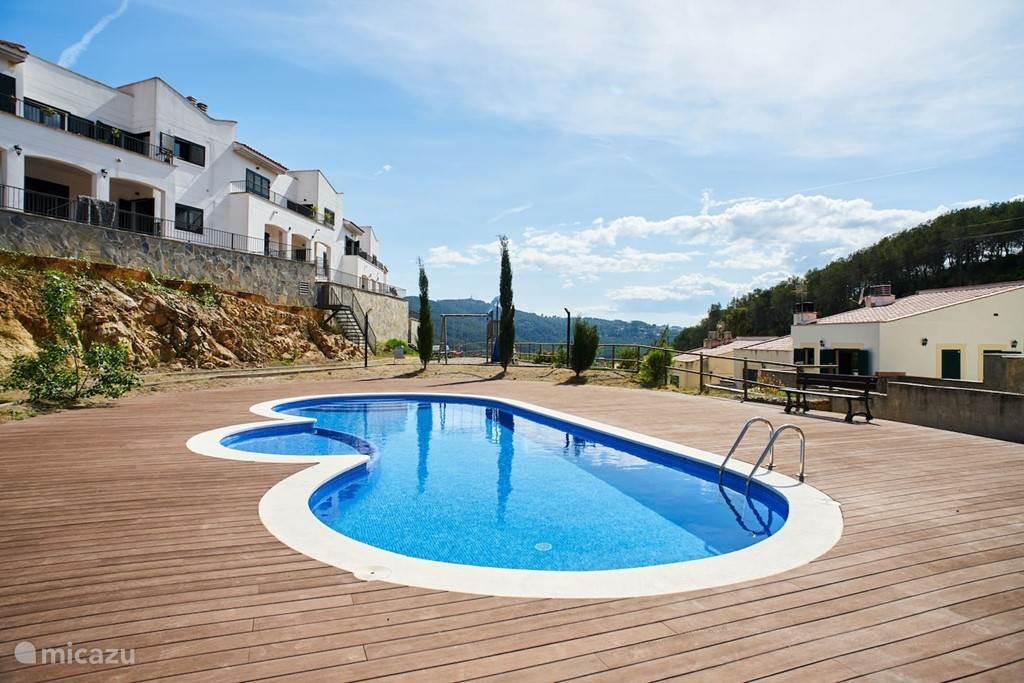 Casa de Sitges uitzicht en zwembad