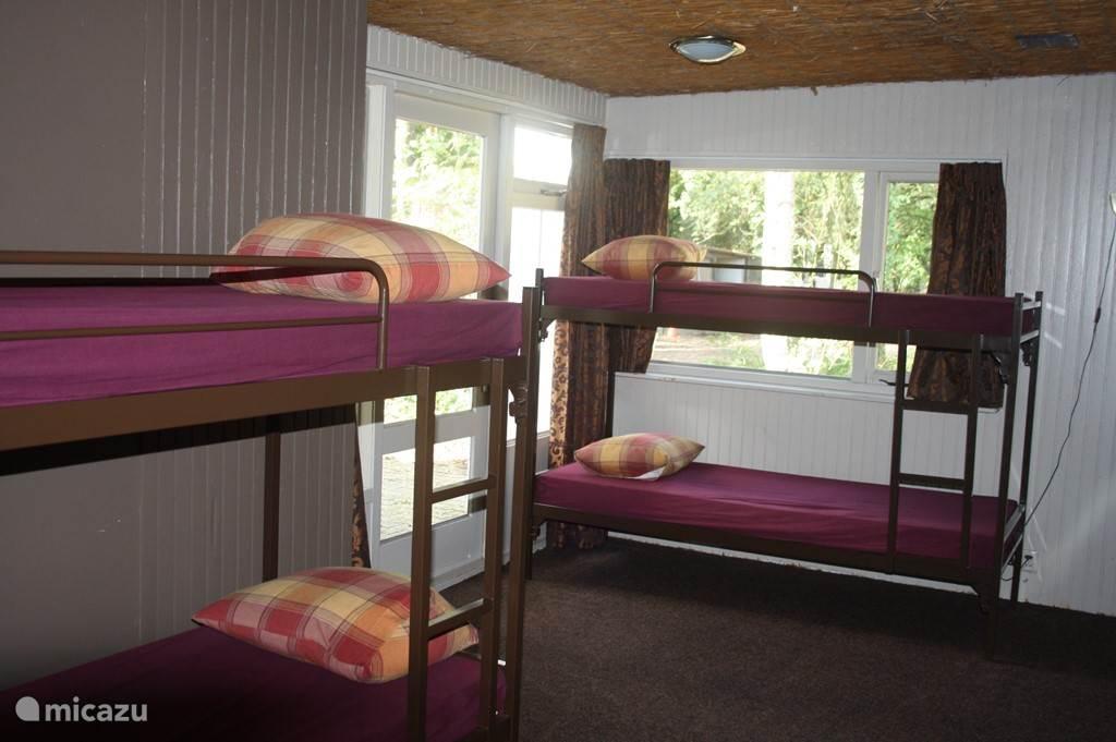 Eén gedeelte van een slaapkamer.