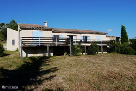 Vacation rental France, Vaucluse, Les Cordiers holiday house La Garussiere