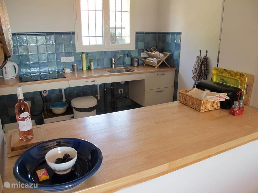 keuken vanuit woonkamer