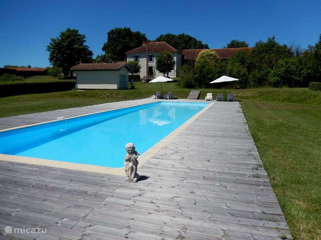 Overzicht vanaf het zwembad
