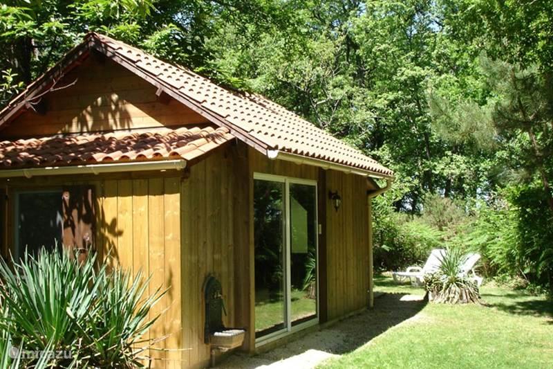 Vakantiehuis Frankrijk, Dordogne, Rouffignac Blokhut / Lodge Zomerhuisje in het bos