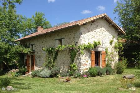 Vacation rental France, Dordogne, Nontron holiday house La Petite Maison