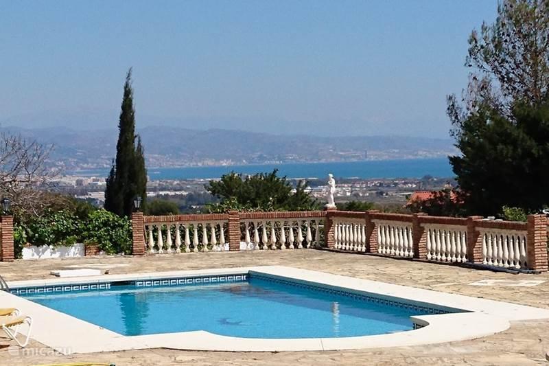 Vakantiehuis Spanje, Costa del Sol, Malaga Villa Villa, verwarmd zwembad, zeezicht