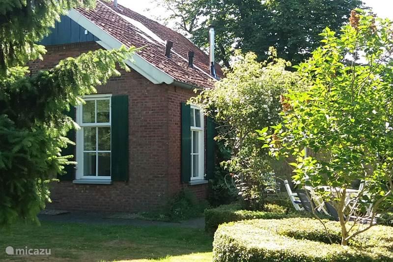 Vacation rental Netherlands, Gelderland, Winterswijk Apartment Small Ni'jenhoes, App. the Opkamer