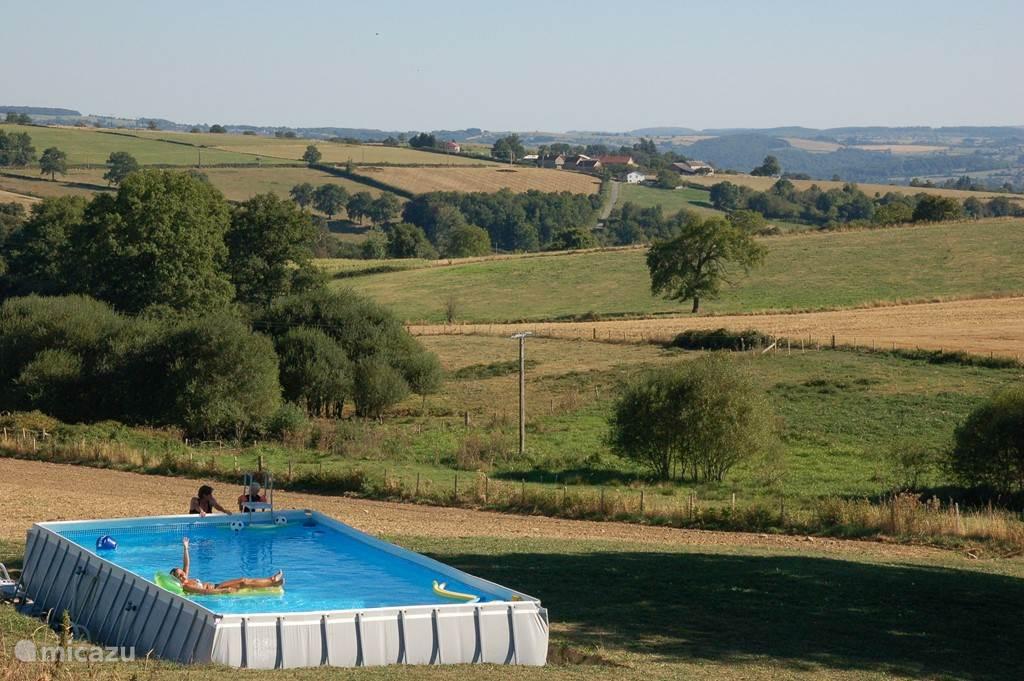 Het zwembad met heerlijk uitzicht