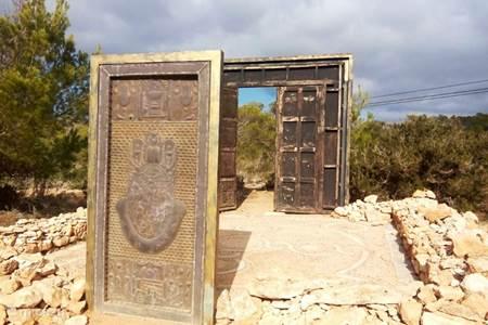 Puertas de Cala Llentia