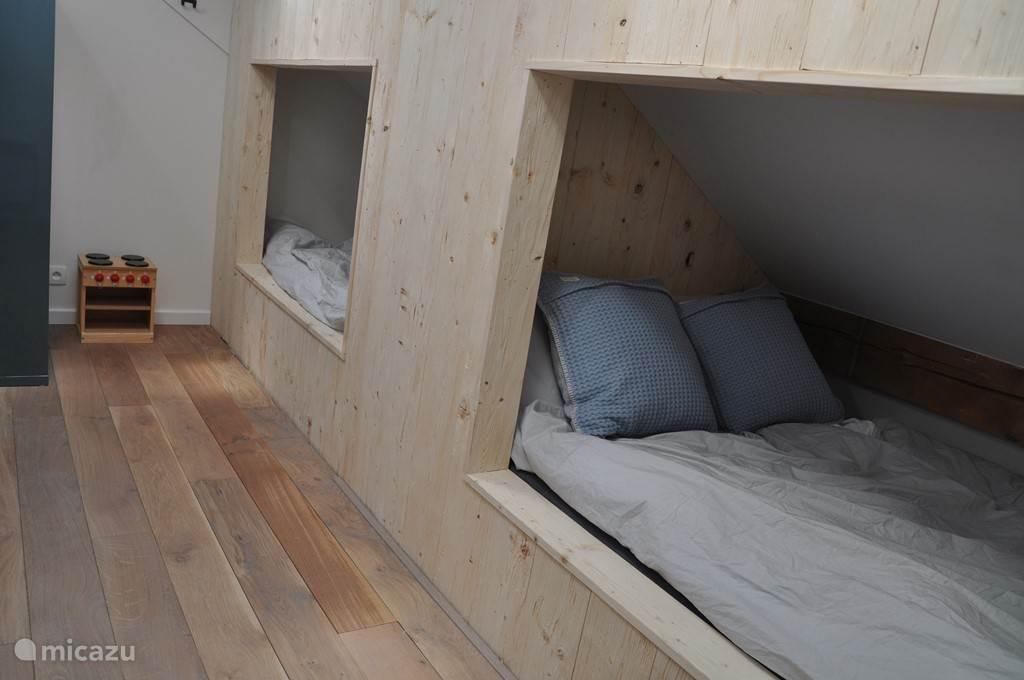 Slaapkamer 5, met twee bedstedes