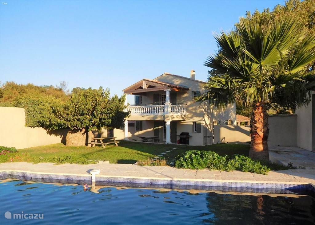 Vacation rental France, French Riviera,  Le Plan-de-la-Tour villa Mistral villa with pool