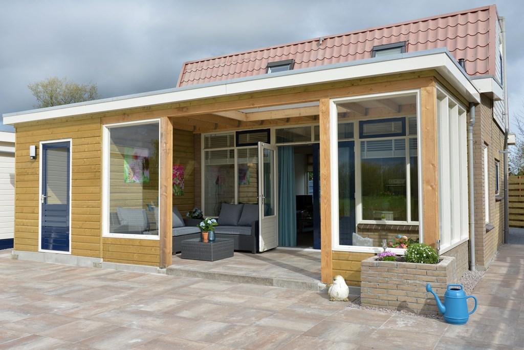 LAST MINUTE: Fantastische bungalow met ALLE comfort !!! 8 km vanaf IJsselmeer vr. 7-9 tot vr. 14-9 voor € 475.00 (incl. € 50.00 schoonmaakkosten)