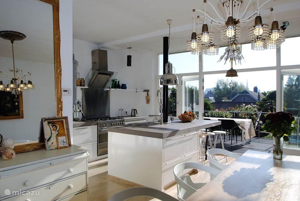zicht op keuken