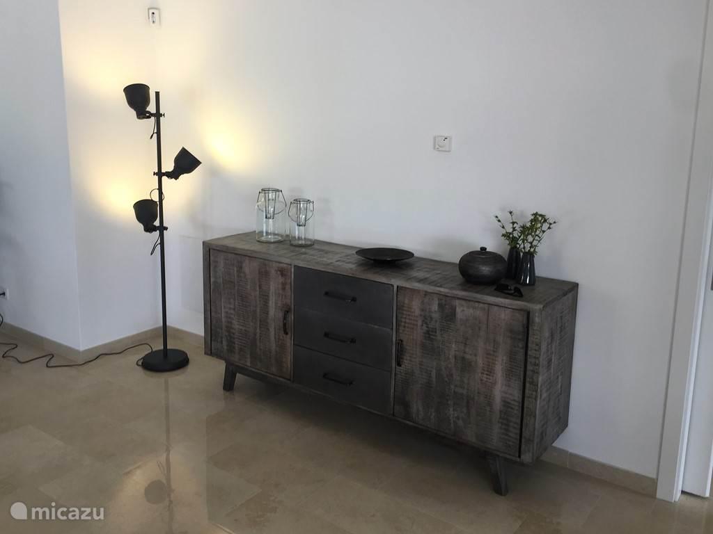 De inrichting van Casa da Rosa is modern en volledig nieuw. Alles is er op gericht u een gevoel van tijdloze luxe te ervaren.