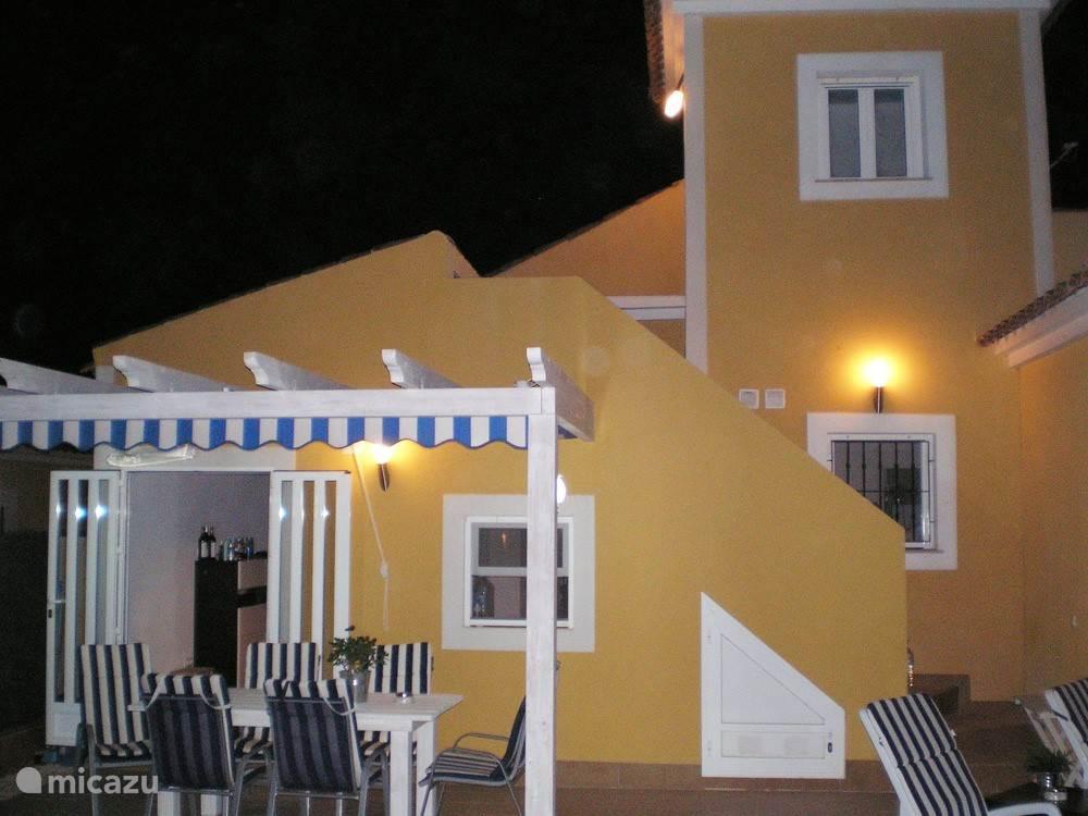 Casa de la Desaceleración bij nacht