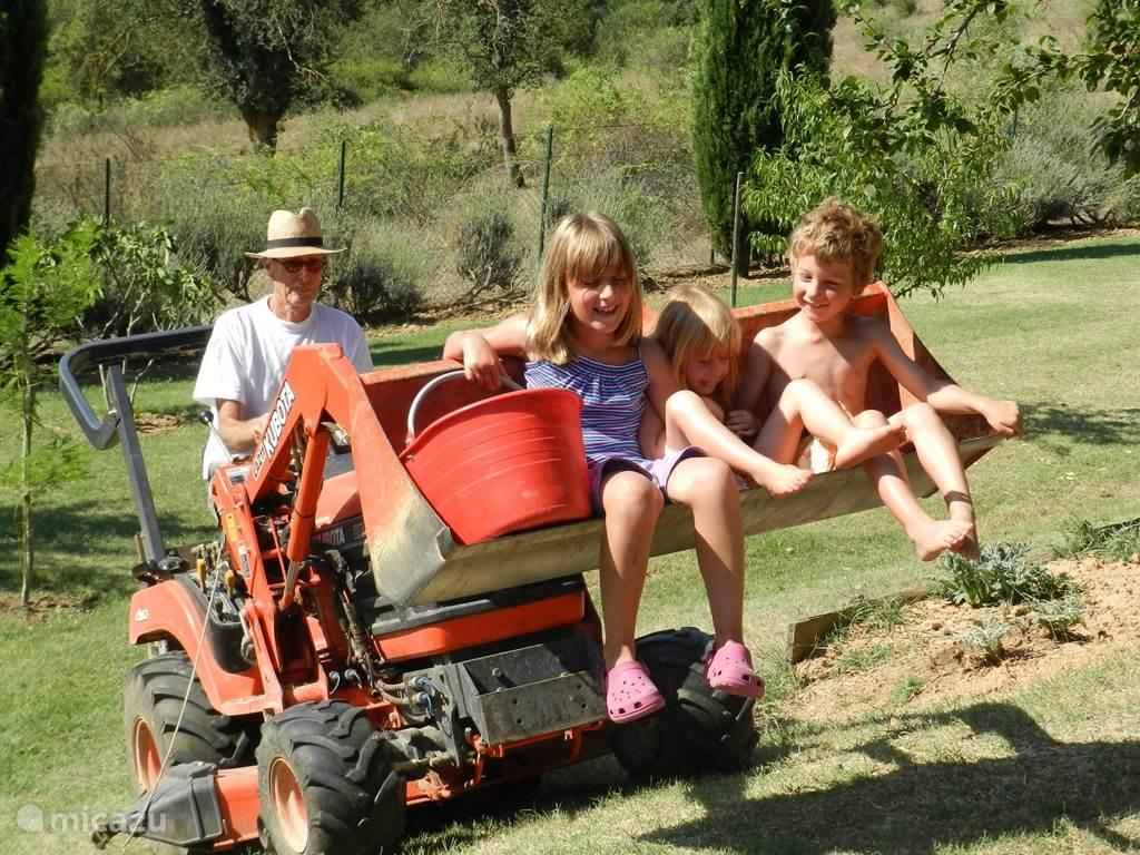 Lol met Nico op de tractor