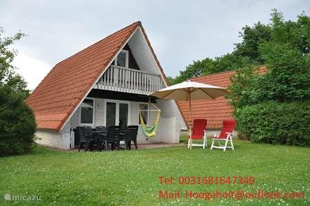 Vakantiehuis Nederland – vakantiehuis Vrijstaande bungalow op familiepark