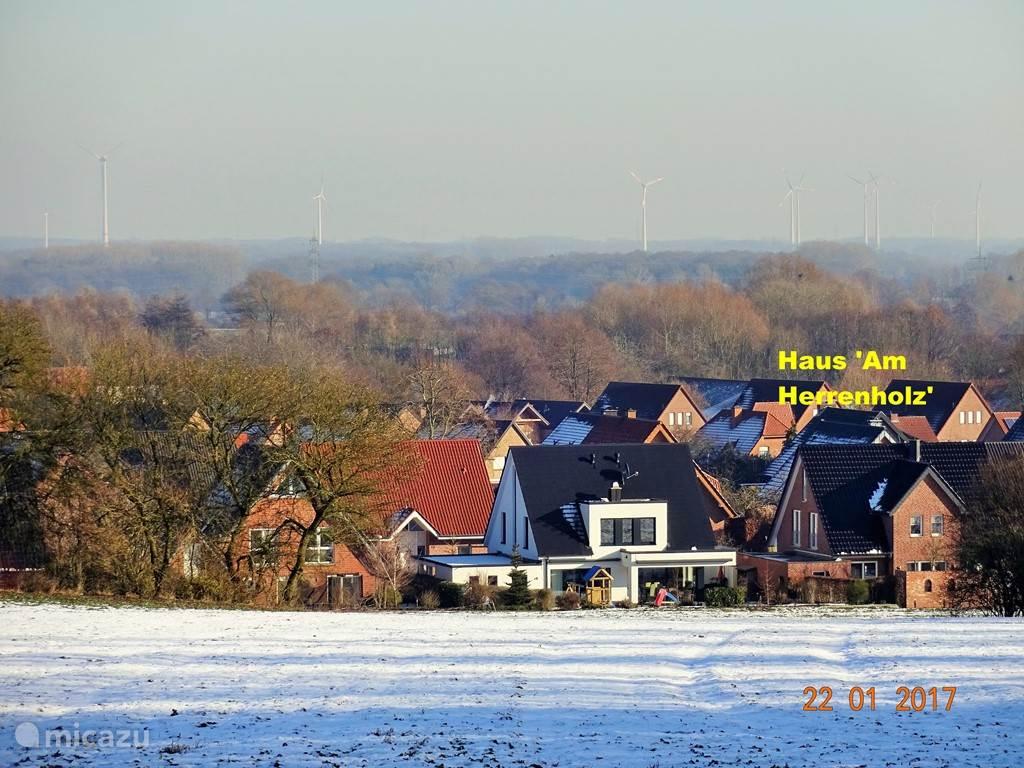 Blik vanuit het Herrenholz op de wijk van Horstmar waar de woning staat.