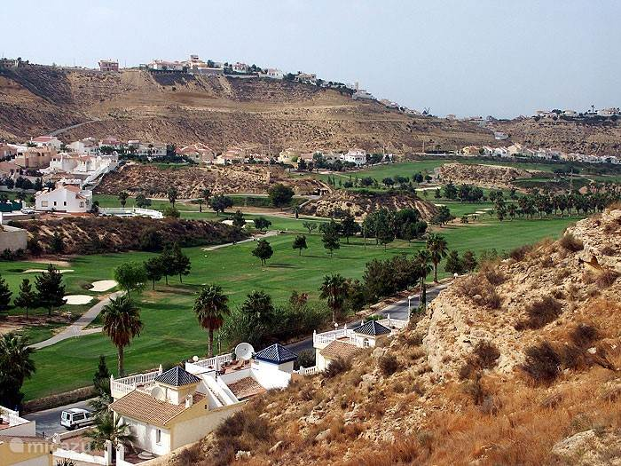 Golfbaan La Marquesa op 500 meter afstand van de villa