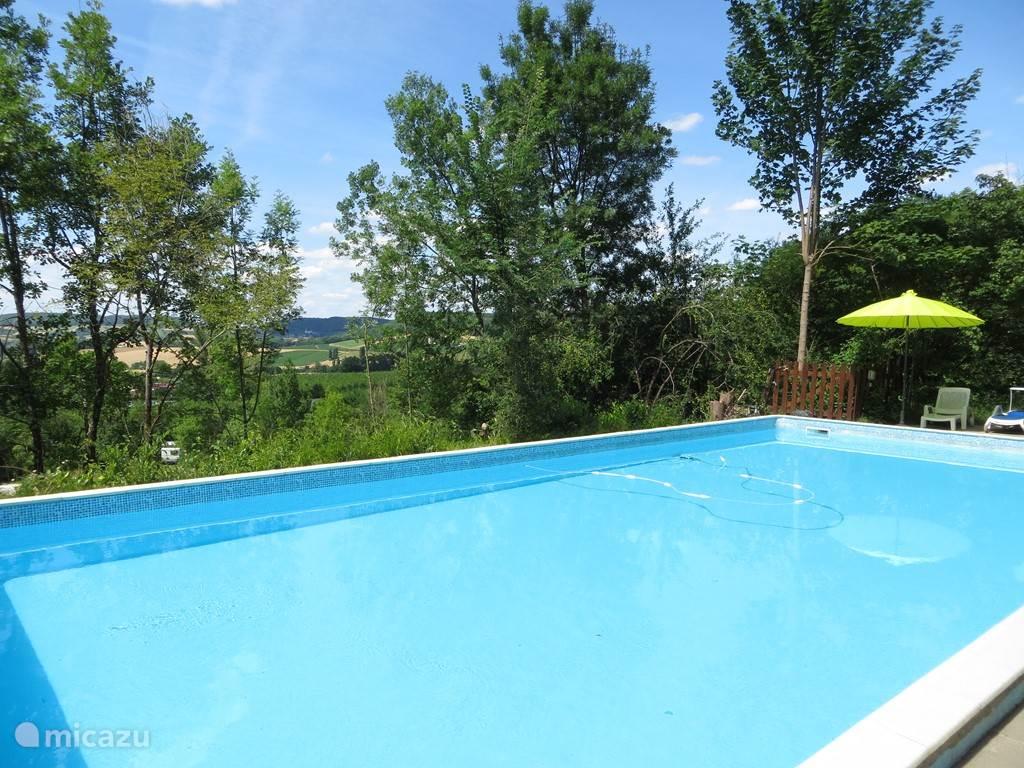 zwembad 6 x 13 meter en 1.50 meter diep