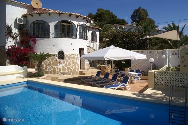 Super villa 6 8 p met nieuw zwembad in javea costa blanca for Vakantiehuisjes met prive zwembad
