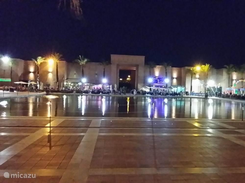 Centrale uitgaansplein op het Resort.